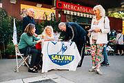 Un banchetto  della Lega al mercato rionale di Appio Latino per la raccolta firme per sfiduciare il sindaco Raggi. Roma 22 ottobre 2019. Christian Mantuano / OneShot