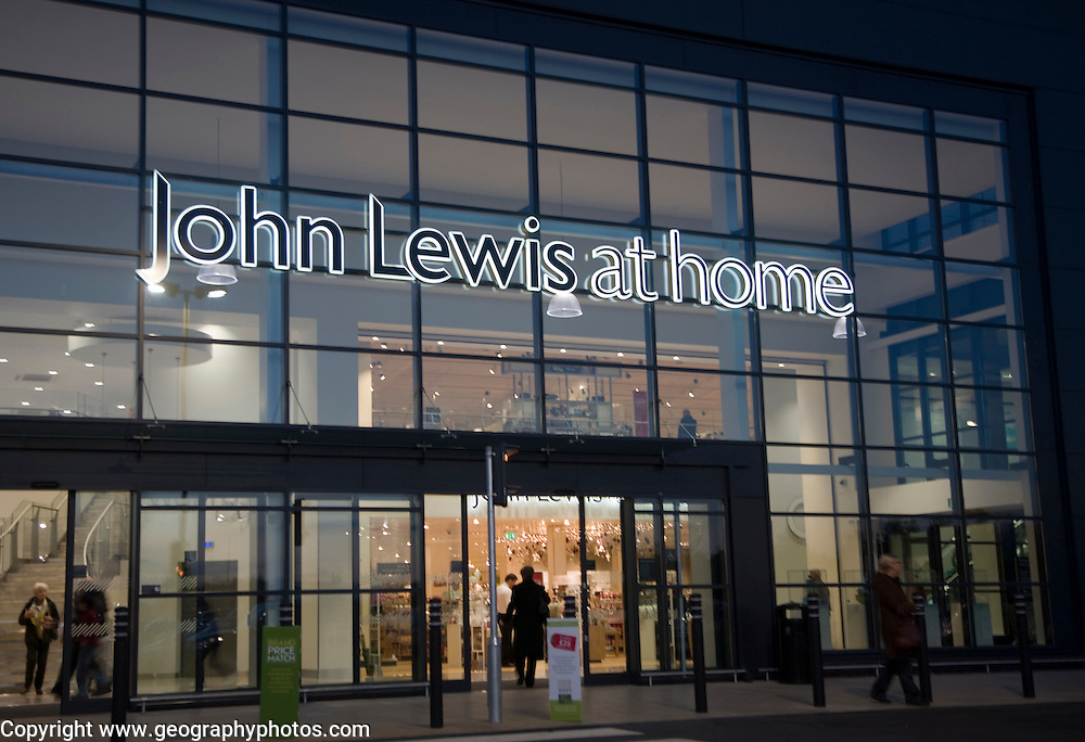 The first joint Waitrose and John Lewis store opened in Ipswich, Suffolk, England in November 2012
