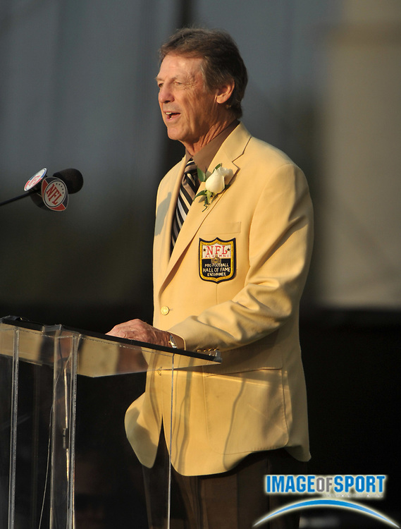 Aug 7, 2010; Canton, OH, USA; Dick LeBeau gives his presentation speech at the 2010 Pro Football Hall of Fame enshrinement ceremony at Fawcett Stadium. Photo by Image of Sport