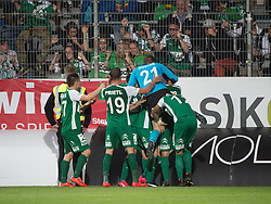08.05.2015, Stadion der Stadt, Linz, AUT, 2.FBL, LASK Linz vs Mattersburg, während der Sky Go Erste Liga- Begegnung zwischen LASK Linz und SV Mattersburg am Freitag, 08. Mai 2015, in Linz, im Bild Torjubel SV Mattersburg nach dem 1:2 durch Thorsten Mahrer (SV Mattersburg) // during Austrian Second Football Bundesliga 32th round Match between LASK Linz and Floridsdorfer AC at the Stadion der Stadt in Linz, Austria on 2015/05/08. EXPA Pictures © 2015, PhotoCredit: EXPA/ Reinhard Eisenbauer