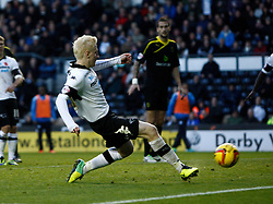 Derby County's Will Hughes scores the second goal-Photo mandatory by-line: Matt Bunn/JMP - Tel: Mobile: 07966 386802 09/11/2013 - SPORT - FOOTBALL - Pride Park - Derby - Derby County v Sheffield Wednesday - Sky Bet Championship