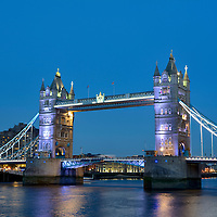 GBR , GROSSBRITANNIEN / ENGLAND / VEREINIGTES KOENIGREICH : Tower Bridge in London , 09.10.2015<br />