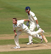 London, GREAT BRITAIN, Essex's, Martin SAGGERS, watches the ball after the release and Ed SMITH starts to run, during the Liverpool Victoria Div 2 County championship match between  Middlesex vs Essex, at Lord's Cricket Ground, England on the 3rd days play  Sun 17.06.2007  [Photo, Peter Spurrier/Intersport-images].....