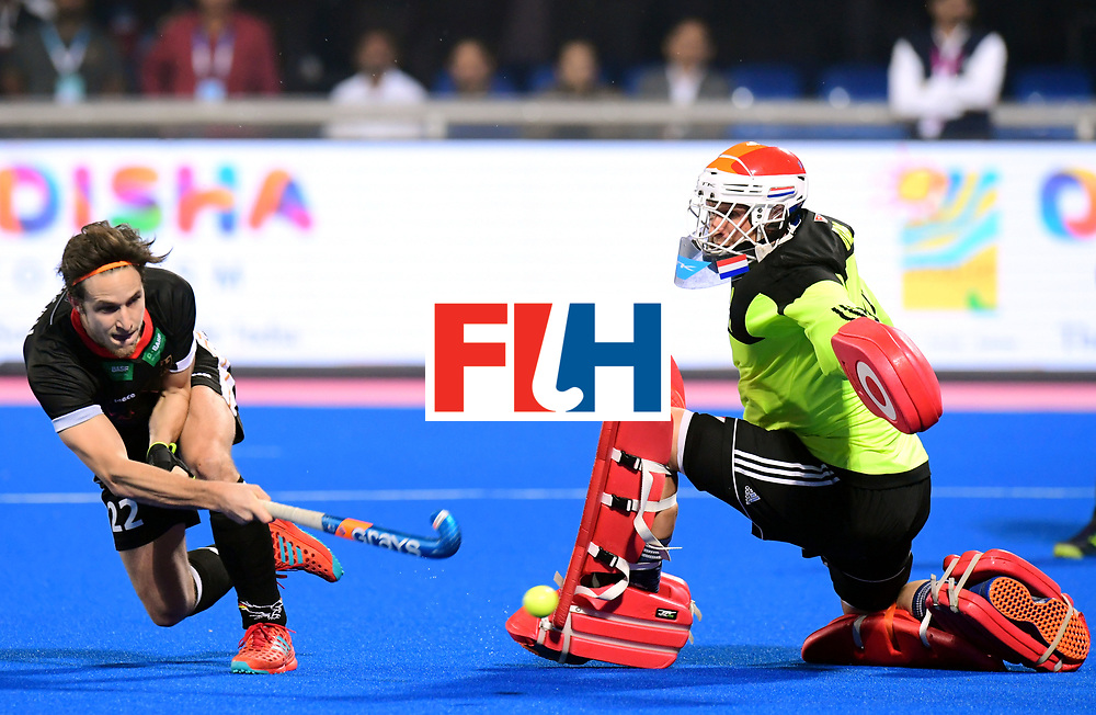 Odisha Men's Hockey World League Final Bhubaneswar 2017<br /> Match id:16<br /> Germany v Netherlands<br /> Foto: Shoot Out <br /> Marco Miltkau (Ger) scored against keeper Pirmin Blaak (Ned) <br /> COPYRIGHT WORLDSPORTPICS FRANK UIJLENBROEK