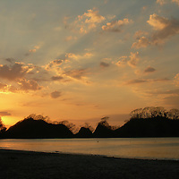 EN&gt; Sunset in a beach in Costa Rica | <br /> SP&gt; Puesta de sol en una playa de Costa Rica