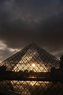 France. Paris. 1st district. Louvre museum.  the Louvre Pyramid at sunset , in the Louvre museum courtyard / La pyramide du musee du Louvre. / Architecte, PEY. to use the picture you have to contact the EPGL etablissement public du grand Louvre.