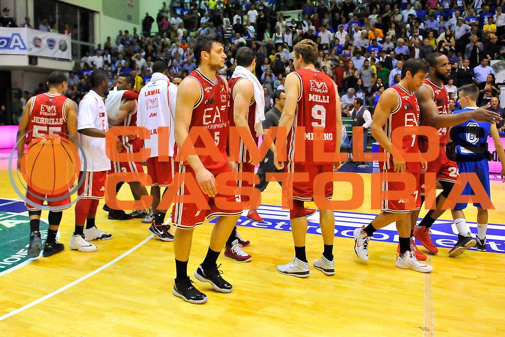 DESCRIZIONE : Campionato 2013/14 Semifinale GARA4  Dinamo Banco di Sardegna Sassari - Olimpia EA7 Emporio Armani Milano<br /> GIOCATORE : Team<br /> CATEGORIA : Esultanza<br /> SQUADRA : Olimpia EA7 Emporio Armani Milano<br /> EVENTO : LegaBasket Serie A Beko Playoff 2013/2014<br /> GARA : Dinamo Banco di Sardegna Sassari - Olimpia EA7 Emporio Armani Milano<br /> DATA : 05/06/2014<br /> SPORT : Pallacanestro <br /> AUTORE : Agenzia Ciamillo-Castoria / Luigi Canu<br /> Galleria : LegaBasket Serie A Beko Playoff 2013/2014<br /> Fotonotizia : DESCRIZIONE : Campionato 2013/14 Semifinale GARA4 Dinamo Banco di Sardegna Sassari - Olimpia EA7 Emporio Armani Milano<br /> Predefinita :