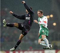 Fotball, 23. februar 2005, Champions League Sv Werder Bremen - Olympique Lyon<br /> v.l. Pierre-alain Frau, Fabian Ernst Bremen