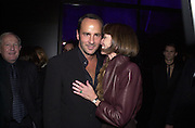 Tom Ford and Anna Wintour. Yves St. Laurent Rive Gauche. Rodin Museum. Paris. 13 October 2000. © Copyright Photograph by Dafydd Jones 66 Stockwell Park Rd. London SW9 0DA Tel 020 7733 0108 www.dafjones.com