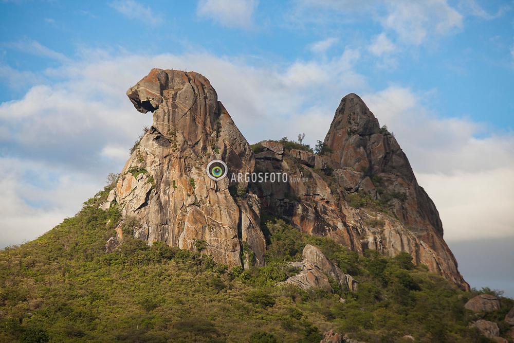 Range Stone Ponto Turistico ~ Pedra da galinha choca broody hen s stone argosfoto