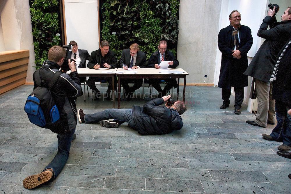 Haren 20101203. Officiele oplevering nieuw gemeentehuis haren. foto: pepijn van den Broeke, kilometers: 12