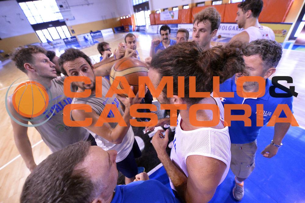DESCRIZIONE : Folgaria Allenamento Raduno Collegiale  Nazionale Italia Maschile <br /> GIOCATORE : Team<br /> CATEGORIA : Allenamento <br /> SQUADRA : Nazionale Italiana Uomini <br /> EVENTO :  Allenamento Raduno Folgaria<br /> GARA : Allenamento<br /> DATA : 25/07/2013 <br /> SPORT : Pallacanestro<br /> AUTORE : Agenzia Ciamillo-Castoria/Max.Ceretti<br /> Galleria : FIP Nazionali 2013<br /> Fotonotizia : Folgaria Allenamento Raduno Collegiale  Nazionale Italia Maschile <br /> Predefinita :