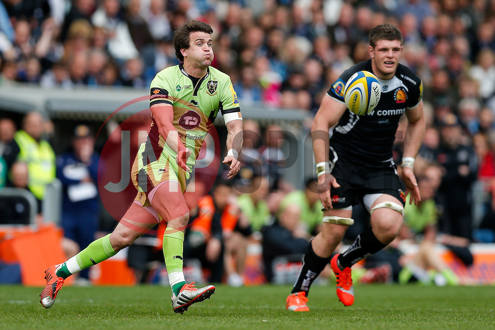 Northampton replacement Lee Dickson passes - Photo mandatory by-line: Rogan Thomson/JMP - 07966 386802 - 11/04/2015 - SPORT - RUGBY UNION - Exeter, England - Sandy Park Stadium - Exeter Chiefs v Northampton Saints - Aviva Premiership.