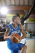 DESCRIZIONE : Bormio Torneo Internazionale Maschile Diego Gianatti Italia Senegal<br /> GIOCATORE : Daniel Hackett<br /> SQUADRA : Italia Italy<br /> EVENTO : Raduno Collegiale Nazionale Maschile <br /> GARA : Italia Senegal Italy <br /> DATA : 17/07/2009 <br /> CATEGORIA :  passaggio penetrazione<br /> SPORT : Pallacanestro <br /> AUTORE : Agenzia Ciamillo-Castoria/C.De Massis