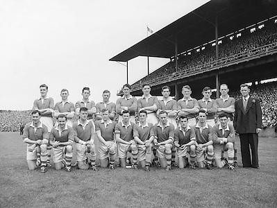 Neg No: A466/9747-9753..18081957AISFCSF.18.08.1957. 08.18.1957, 18th August 1957...All Ireland Senior Football Championship - Semi-Final..Louth.00-13..Tyrone.00-07..Louth. ..S. Flood, O. Reilly, T. Conlon, J. Meehan, P. Coleman, P. Smith, S. White, K. Beahan, D. O'Neill, S. O'Donnell, D. O'Brien (Captain), F. Lynch, S. Cunningham, J. McDonnell, J. Roe. .D. O'Brien (Captain). ..