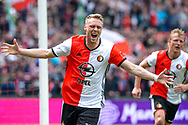 14-05-2017: Voetbal: Feyenoord v Heracles Almelo: Rotterdam<br /> <br /> (L-R) Feyenoord speler Nicolai Jorgensen juicht nadat Feyenoord speler Dirk Kuyt de 2-0 heeft gescoord tijdens het Eredivisie duel tussen Feyenoord en Heracles Almelo op 14 mei 2017 in stadion Feyenoord (de Kuip)<br /> <br /> Eredivisie - Seizoen 2016 / 2017<br /> <br /> Foto: Gertjan Kooij