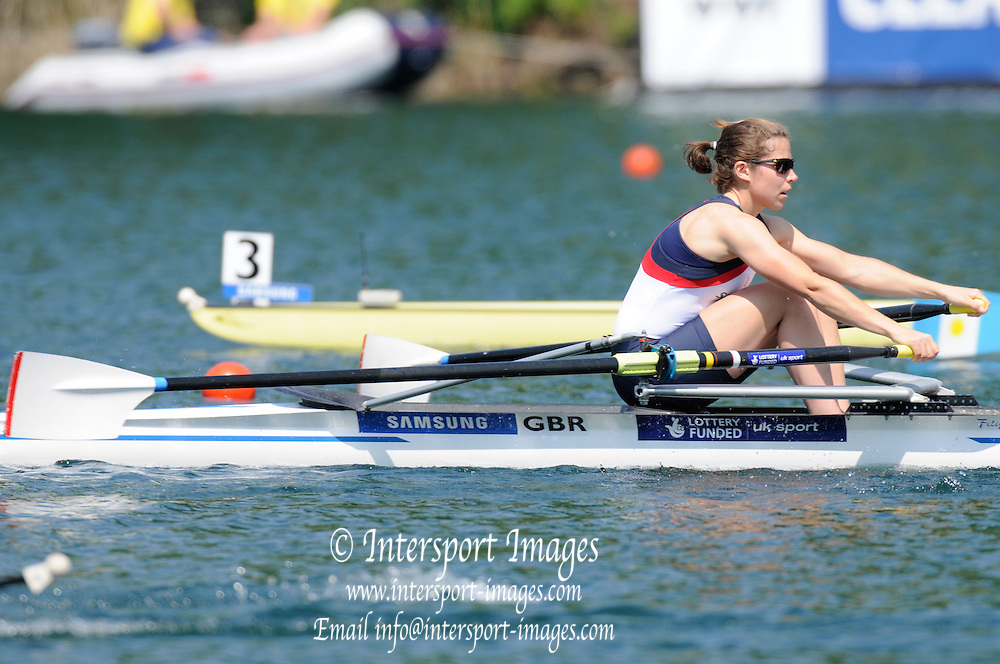 Lucerne, SWITZERLAND.   GBR LW1X   Kathryn TWYMAN, moving away from the start at the 2012 FISA World Cup II, Lucerne Regatta.  Rotsee Rowing Course,  Friday  25/05/2012  [Mandatory Credit Peter Spurrier/ Intersport Images]