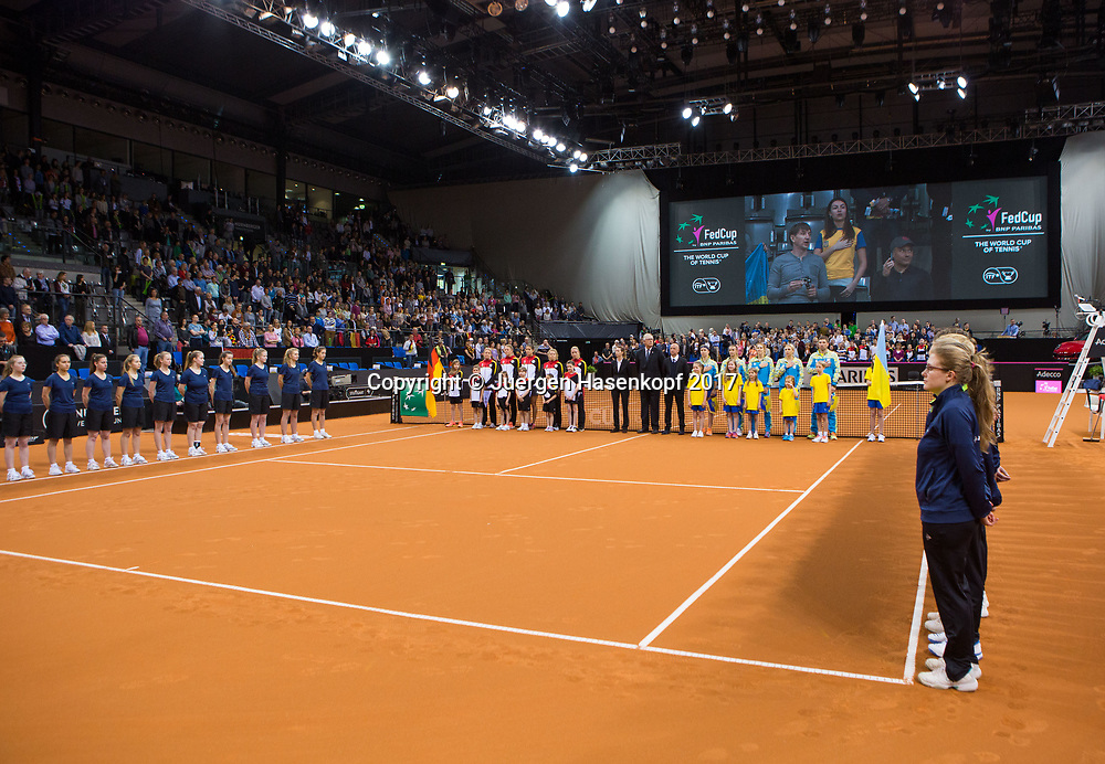 GER-UKR, Deutschland - Ukraine, <br /> Porsche Arena, Stuttgart, internationales ITF  Damen Tennis Turnier, Mannschafts Wettbewerb,<br /> Eroeffnungszeremonie