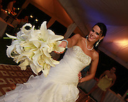 White lily wedding bouquet flowers costa rica, Photographers in Costa Rica, getting married in costa rica, costa rica marriage requirements, costa rica photography, costa rica marriage traditions, wedding cr
