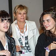 NLD/Amsterdam/20150530 - Toppers concert 2015 Crazy Summer edition, Sandra Bastiaan, partner Barry Hay en kinderen Isabella en Gina