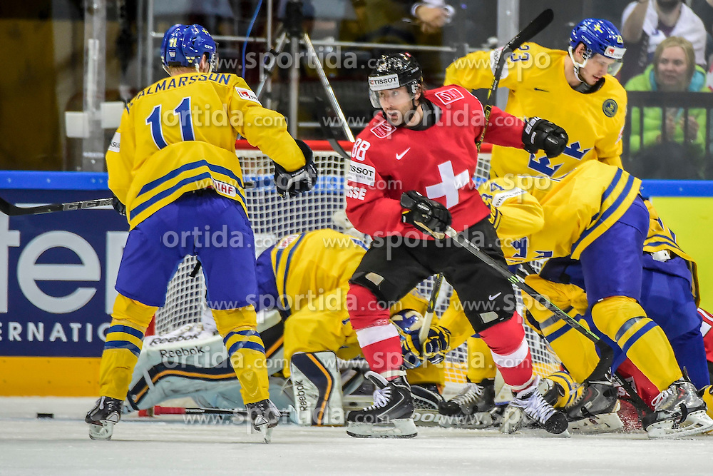 09.05.2015, O2 Arena, Prag, CZE, IIHF, WM, Schweden vs Schweiz, Gruppenphase, im Bild 0 Kevin Romy (SUI) gegen die Schwedische Verteidigung // during the IIHF Icehockey World Championships Groupstage Match between Sweden and Switzerland at the O2 Arena in Prag, Czech Republic on 2015/05/09. EXPA Pictures &copy; 2015, PhotoCredit: EXPA/ Freshfocus/ Andy Mueller<br /> <br /> *****ATTENTION - for AUT, SLO, CRO, SRB, BIH, MAZ only*****
