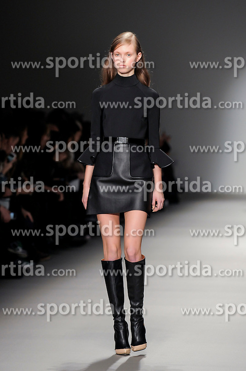 David Koma fashion show at London Fashion Week, 22-02-2015, England UK B2511. EXPA Pictures &copy; 2015, PhotoCredit: EXPA/ Photoshot/ Mr Tickle<br /> <br /> *****ATTENTION - for AUT, SLO, CRO, SRB, BIH, MAZ only*****