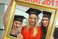 Ludwigshafen. 14.07.17 | Studienabschlussfeier <br /> Pfalzbau. Studienabschlussfeier der Hochschule Ludwigshafen am Rhein.<br /> - Absolventinnen. v.l. Miriam Hartmann, Margarita Decker, Zeinab Salman<br /> <br /> BILD- ID 0056 |<br /> Bild: Markus Prosswitz 14JUL17 / masterpress (Bild ist honorarpflichtig - No Model Release!)