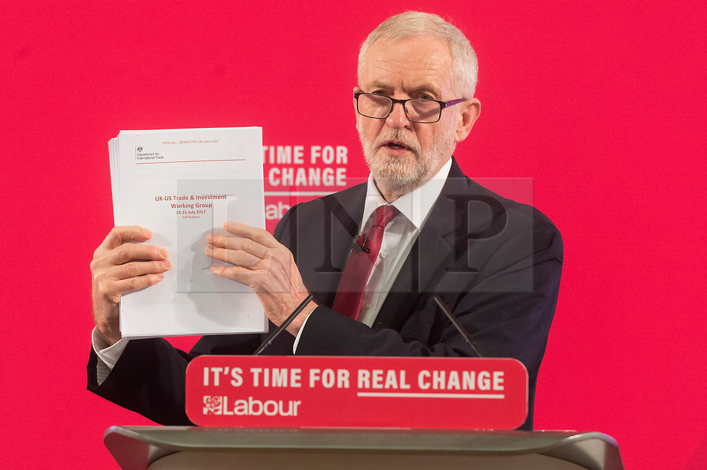 """© Licensed to London News Pictures. 27/11/2019. London, UK. British Labour party leader Jeremy Corbyn makes a speech revealing official government documents showing the US is demanding that the NHS will be """"on the table"""" in talks on a post-Brexit trade dealon the National Health Service. Photo credit: Ray Tang/LNP"""