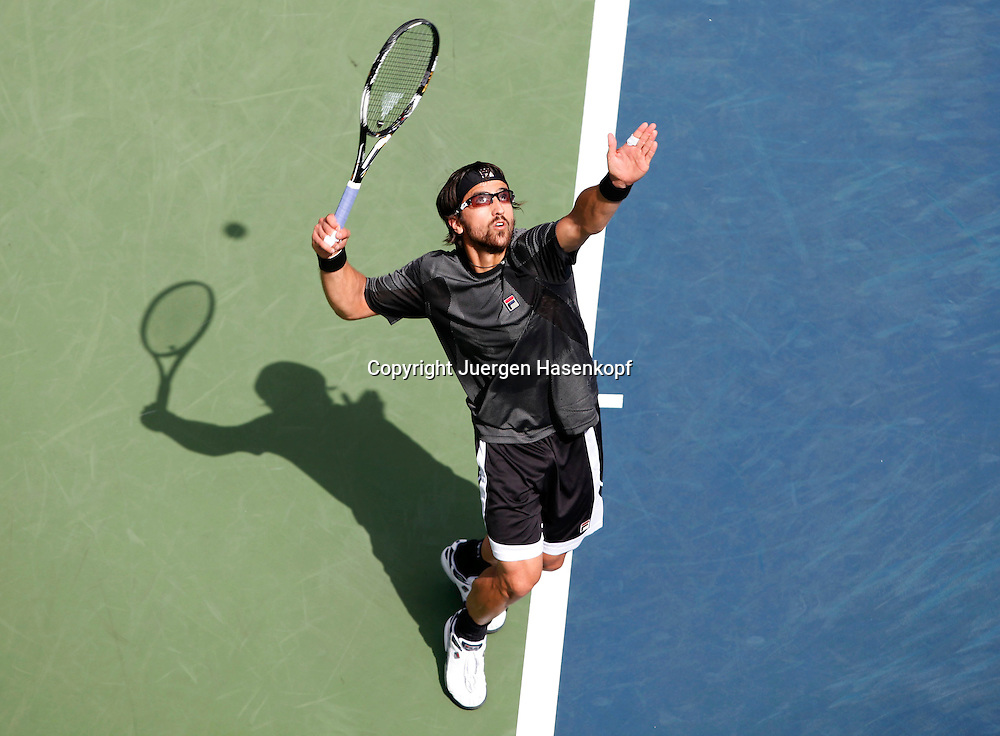US Open 2010, USTA Billie Jean National Tennis Center, NewYork,I.TF Grand Slam Tennis Tournament . Janko Tipsarevic (SRB) von oben,