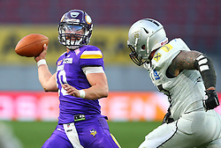 29.07.2017, Woertersee Stadion, Klagenfurt, AUT, AFL, Austrian Bowl XXXIII, Dacia Vikings Vienna vs Swarco Raiders Tirol, im Bild Kevin Burke (Dacia Vikings Vienna, #10, QB) und Maximilian Pichler (Swarco Raiders Tirol, #97, DL) // during the Austrian Football League Austrian Bowl XXXIII game between Dacia Vikings Vienna vs Swarco Raiders Tirol at the Woertersee Stadion, Klagenfurt, Austria on 2017/07/29. EXPA Pictures © 2017, PhotoCredit: EXPA/ Thomas Haumer