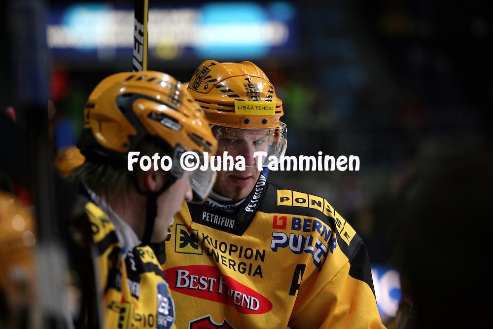 12.02.2009, Hakamets?n j??halli, Tampere..J??kiekon SM-liiga 2008-09..Ilves - KalPa.Mika Str?mberg - KalPa.©Juha Tamminen.