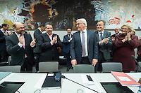 11 FEB 2017, BERLIN/GERMANY:<br /> Martin Schulz, SPD, Kanzlerkandidat, Sigmar Gabriel, SPD, Bundesaussenminister, Frank-Walter Steinmeier, SPD, Kandidat fuer das Amt des Bundespraesidenten, Thomas Oppermann, SPD Fraktionsvorsitzender, Christine Lamprecht, SPD, 1. Parl. Gesch&auml;ftsf&uuml;herin, (v.L.n.R.), vor Beginn der SPD Fraktionssitzung am Vortag der Bundesversammlung, Reichstagsgebaeude, Deutscher Bundestag<br /> IMAGE: 20170211-02-018<br /> KEYWORDS: Applaus, applaudieren, klatschen
