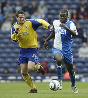 Photo Aidan Ellis, Digitalsport<br /> Blackburn Rovers v Southampton.<br /> Ewood Park.<br /> FA Barclays Premiership.<br /> 09/04/2005.<br /> Southampton's Jamie Redknapp and BlaCKBURN'S Aaron Mokoena