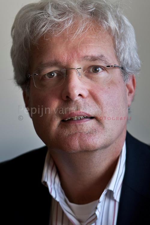 prof. mr. dr. H.E. (Herman) Broring .professor integrative law studies