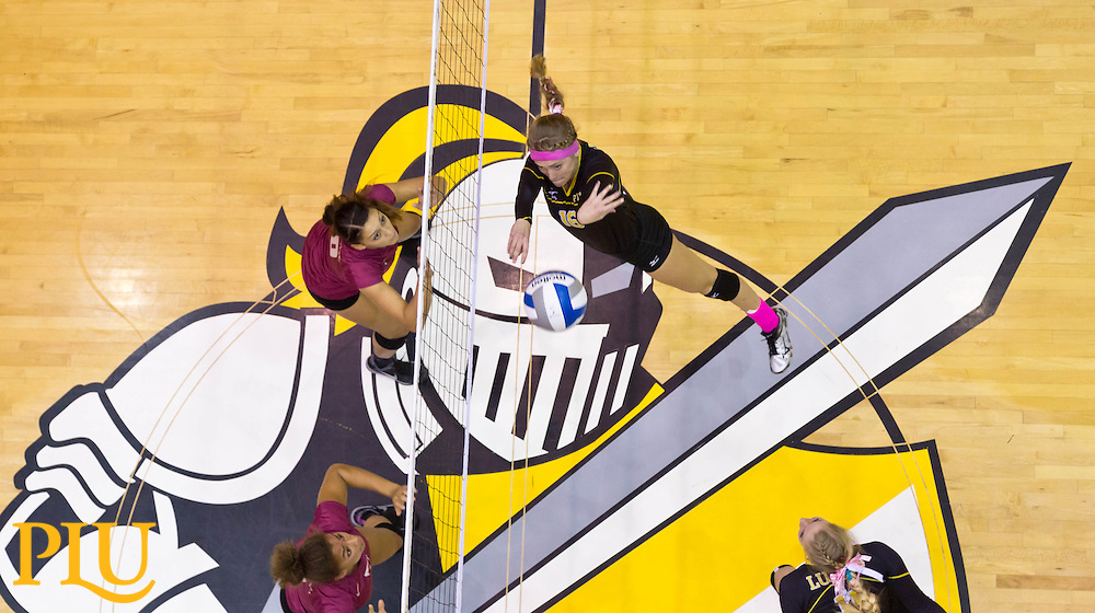 PLU Willamette volleyball in Olson on Friday, Oct. 10, 2014. (PLU Photo/John Froschauer)
