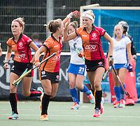 UTRECHT - HOCKEY - Yibbi Jansen (Oranje-Rood) heeft gescoord  , met Lisa Post,  tijdens     de hoofdklasse hockeywedstrijd dames Kampong-Oranje-Rood (0-5) .COPYRIGHT KOEN SUYK