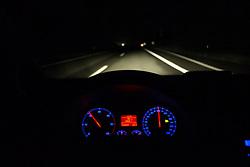 THEMENBILD - Autobahn, aufgenommen am 19.08.2015 auf der A12 Inntalautobahn, Im Bild ein Straßenabschnitt aus der Fahrer-Perspektive. EXPA Pictures © 2015, PhotoCredit: EXPA/ Jakob Gruber