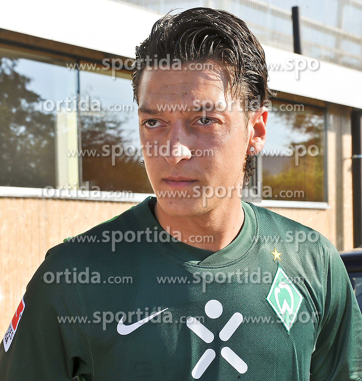 02.08.2010, Thermenstadion, Bad Waltersdorf, AUT, Trainingslager Werder Bremen 1. FBL 2010 - Day05 im Bild     Mesut Özil / Oezil ( Werder #11 ) EXPA Pictures © 2010, PhotoCredit: EXPA/ nph/  Kokenge+++++ ATTENTION - OUT OF GER +++++ / SPORTIDA PHOTO AGENCY