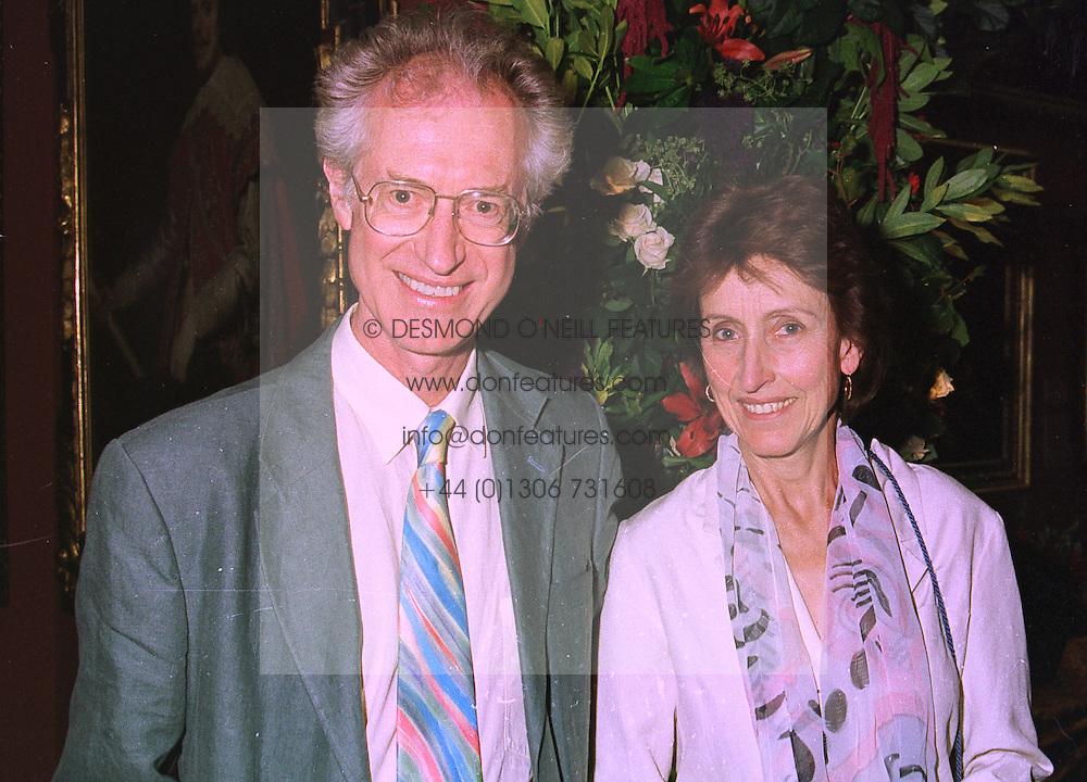 MR & MRS BAMBER GASCOIGNE he is the TV presenter, at an exhibition in London on 3rd September 1998.MJO 36
