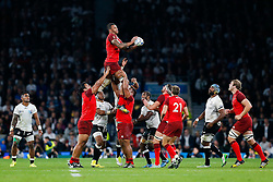 England Lock Courtney Lawes wins a lineout - Mandatory byline: Rogan Thomson/JMP - 07966 386802 - 18/09/2015 - RUGBY UNION - Twickenham Stadium - London, England - England v Fiji - Rugby World Cup 2015 Pool A.