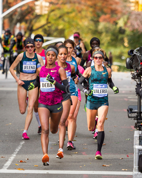 NYC Marathon, Deba leads pack, mile 8