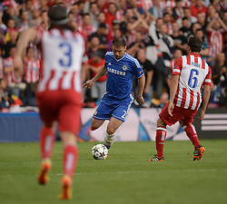 30.04.2014, Stamford Bridge, London, ENG, UEFA CL, FC Chelsea vs Atletico Madrid, Halbfinale, Rueckspiel, im Bild Chelsea's defender Branislav Ivanovic runs at two Madrid players // Chelsea's defender Branislav Ivanovic runs at two Madrid players during the UEFA Champions League Round of 4, 2nd Leg Match between Chelsea FC and Club Atletico de Madrid at the Stamford Bridge in London, Great Britain on 2014/05/01. EXPA Pictures &copy; 2014, PhotoCredit: EXPA/ Mitchell Gunn<br /> <br /> *****ATTENTION - OUT of GBR*****