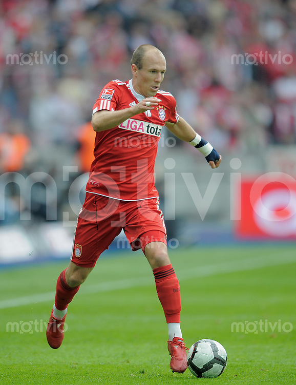 Fussball Bundesliga 2009/2010 Hertha BSC Berlin - FC Bayern Muenchen Arjen ROBBEN (FCB).