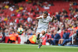 Ali Riley of Bayern Munich  crosses the ball - Mandatory by-line: Arron Gent/JMP - 28/07/2019 - FOOTBALL - Emirates Stadium - London, England - Arsenal Women v Bayern Munich Women - Emirates Cup