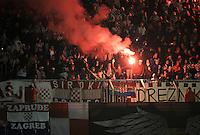 Fussball International, Nationalmannschaft   EURO 2012 Play Off, Qualifikation, Kroatien - Tuerkei       15.11.2011 Kroatien Fans mit Bengalischem Feuer