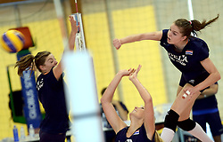 30-09-2014 ITA: World Championship Volleyball Training Nederland, Verona<br /> Anne Buijs, Yvon Beliën