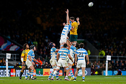Argentina replacement Matias Alemanno and Australia Lock Rob Simmons miss the lineout ball - Mandatory byline: Rogan Thomson/JMP - 07966 386802 - 25/10/2015 - RUGBY UNION - Twickenham Stadium - London, England - Argentina v Australia - Rugby World Cup 2015 Semi Finals.