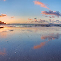 Peaceful Sunset Panorama at Rossbeigh Beach near Glenbeigh, Ring of Kerry, N70. Ireland / kr005