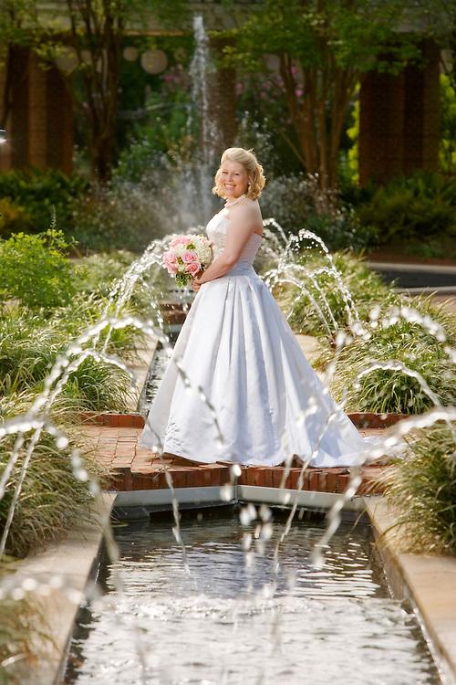 20090421 Columbia, SC photo by Gerry Melendez/gmelendez@thestate.com---Cara's bridal portrait. Botanical Gardens