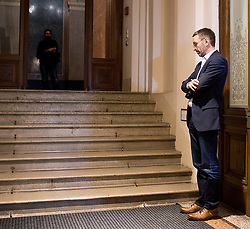 06.12.2017, Palais Epstein, Wien, AUT, Koalitionsverhandlungen von ÖVP und FPÖ anlässlich der Nationalratswahl 2017, im Bild FPÖ Generalsekretär und Nationalratsabgeordneter Herbert Kickl // Member of the National Council FPOe Herbert Kickl during coalition negotiations between the Austrian Peoples Party and Austrian Freedom Party due to general elections 2017 in Vienna, Austria on 2017/12/06, EXPA Pictures © 2017, PhotoCredit: EXPA/ Michael Gruber